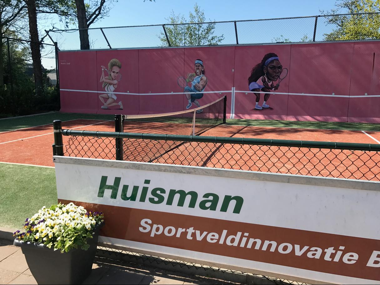 tenniskeerwanden